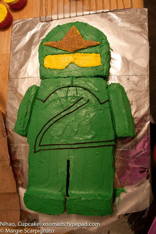 xnomads.typepad.com Lego Ninjago Mini Fig Cake tutorial detailing body