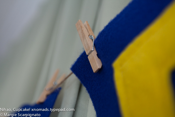 xnomads.typepad.com DIY Felt Banner Clothes Pin on Twine